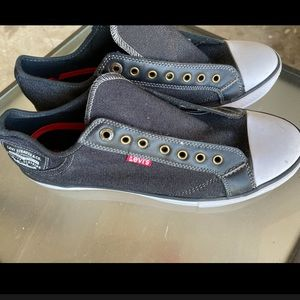 Men's Levi's sneakers. 9.5. Like new.